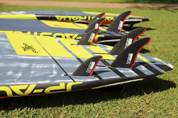 Fin it right – wave sailing fin knowledge with Black