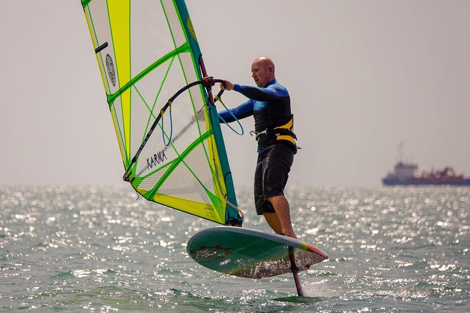 Windfoil gybes and how foil wing stall speed can affect your success rate.